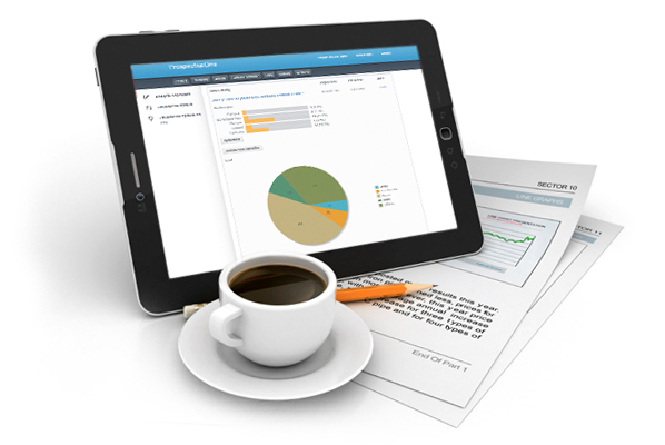 img-tablet-and-coffee